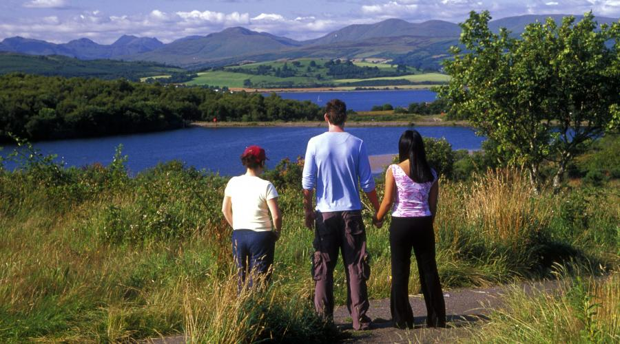 Young people admiring the view at Coves Community park and LNR, above Gourock  ©George Logan/SNH.  For information on reproduction rights contact the Scottish Natural Heritage Image Library on Tel. 01738 444177 or www.nature.scot