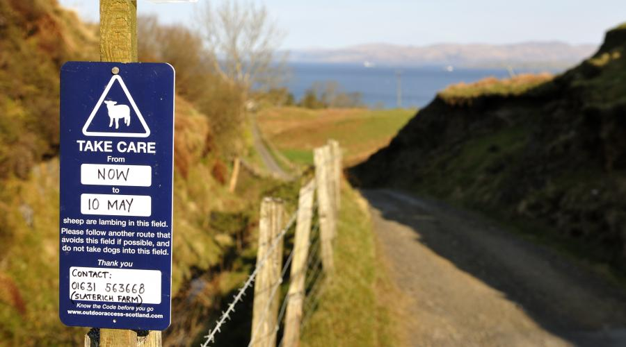 Know the Code sign, Isle of Kerrera, Argyll and Stirling Area. ©Lorne Gill/SNH. For information on reproduction rights contact the Scottish Natural Heritage Image Library on Tel. 01738 444177 or www.nature.scot
